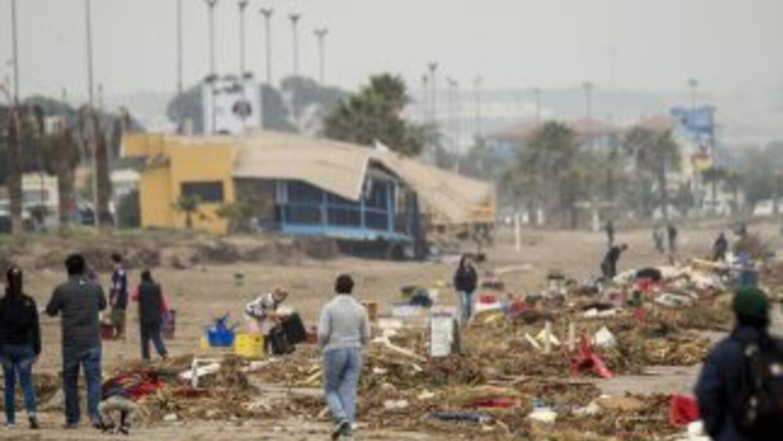 Coquimbo, devastado tras el sismo y posterior tsunami la semana pasada e...