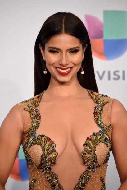 ¿Qué les parece este vestido de la puertorriqueña Roselyn Sánchez?