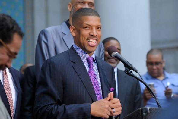 Kevin Johnson fue tres veces All Star de la NBA y fue el primer afro ame...