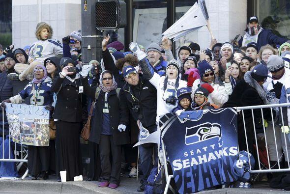 Los Seahawks tuvieron una emocionante bienvenida por todos los fans en S...