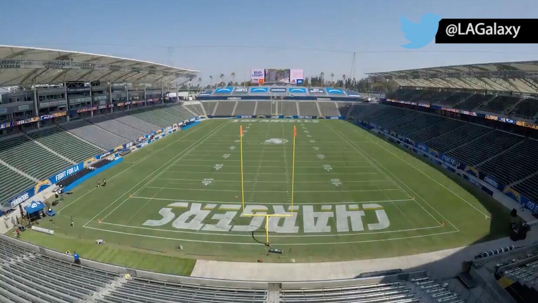 De la noche a la mañana transforman el estadio del LA Galaxy para partid...