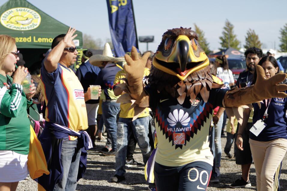 Los fans de las Águilas disfrutaron de un gran partido, pero la fiesta s...