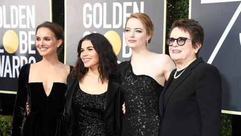 Las actrices Natalie Portman, America Ferrera y Emma Stone junto a la ca...