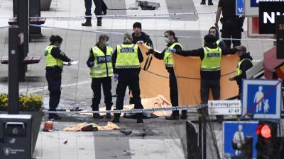 En fotos: Una camioneta se lanzó contra una multitud en Suecia