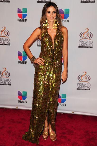La esposa de Juanes, Karen Martínez brilló por su belleza y vestido.
