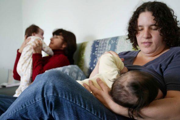 La leche materna es un codiciado alimento natural que se está con...