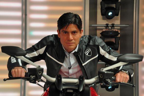 'Poncho' quedó impresionado con las clases de seguridad en moto y listo...