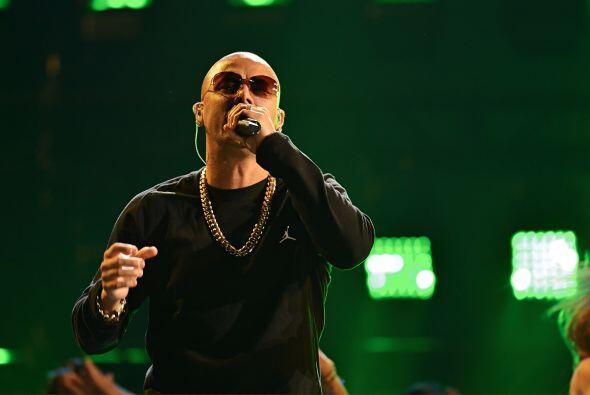 Pero tanto Wisin como Pitbull no llegan solos al escenario de PJ.