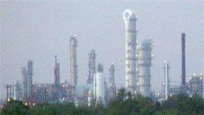 El Fiscal General de Texas, Greg Abbott, presentó una demanda contra BP...