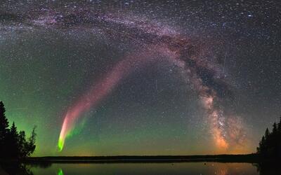STEVE y la Vía Láctea en Childs Lake, Manitoba, Canad&aacu...