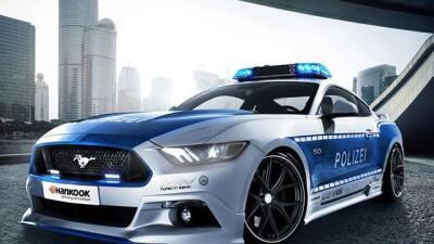 Wolf Racing se encargó de potenciar este Mustang GT europeo para incorpo...