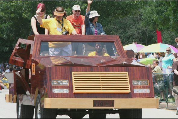 Este 11 de mayo se celebra el tradicional desfile de carros artísticos,...