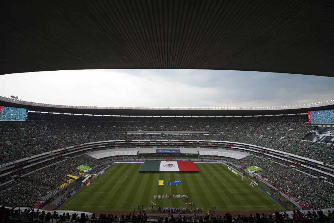 Rivalidad bien entendida: México y USA, confraternizados en el Azteca 20...