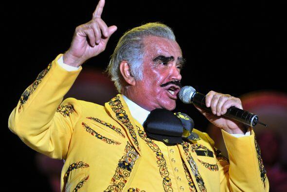 Volver, volver , ¿quién no ha cantado esta canción de Vicente Fernández?...