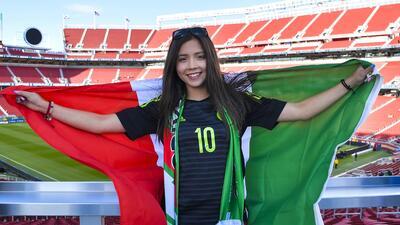 Belleza mundialista del 'Tri': las fanáticas de México contra Islandia