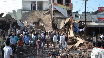 Bomba en India deja más de 80 muertos