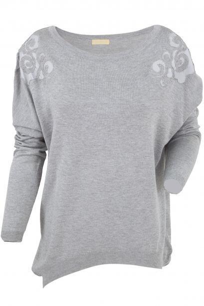 De ruedo irregular. Si tienes curvas generosas, opta por un sweater de r...