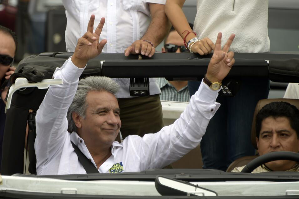 El candidato oficialista Lenín Moreno es licenciado en Administración Pú...