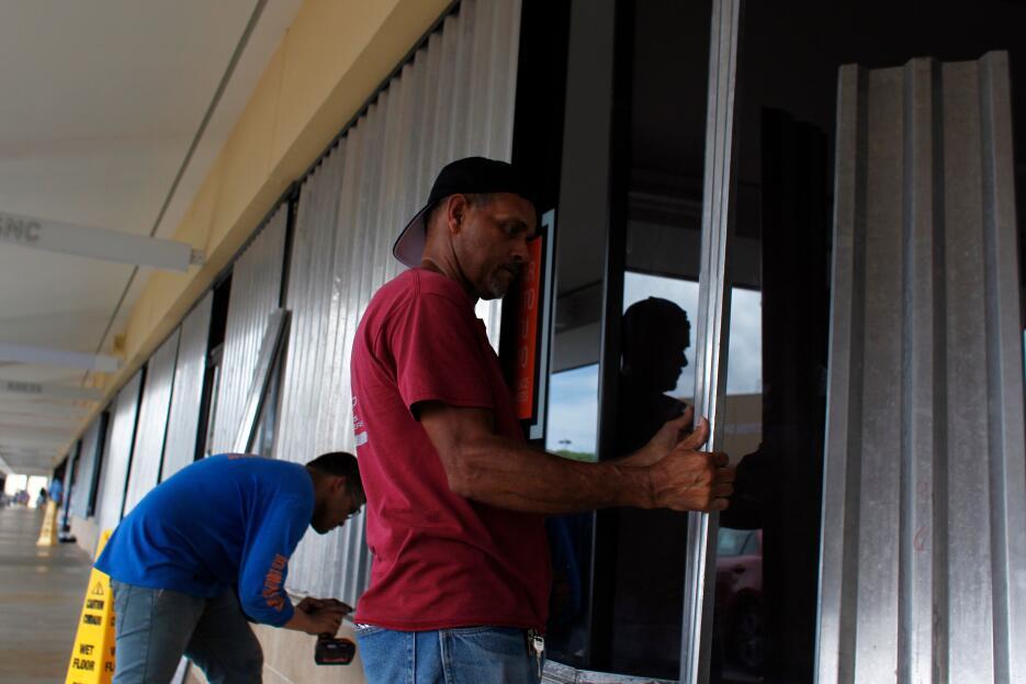 Desde el viernes de la semana pasada los puertorriqueños salieron a abas...