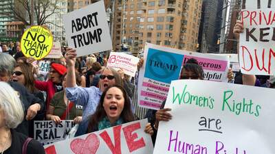 Defienden sus cuerpos en Columbus Circle en NYC