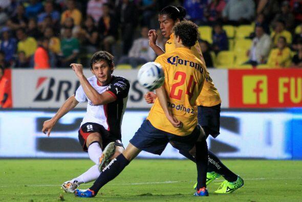 Luis Caballero: El sudamericano viene recién llegado del extranjero al f...