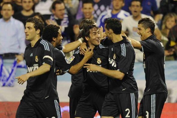 Raúl puso el 1-0 y así se convirtió en el tercer máximo anotador de la L...