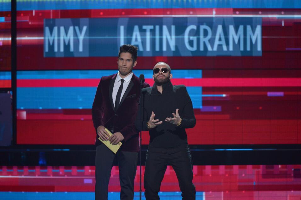 Chino & Nacho fueron los encargados presentar a los nominados al Premio...