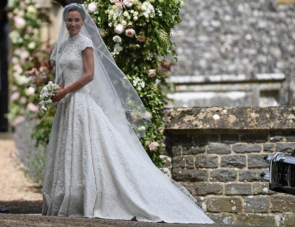 Pippa Middleton como si fuera princesa luce su vestido de novia entallad...