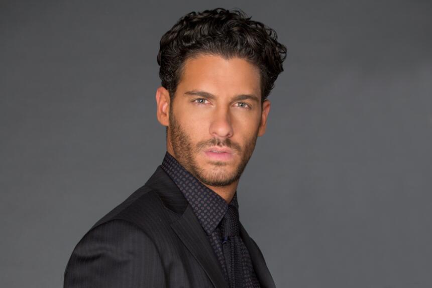 Erick Elías es Marcelo Escalante en El Color de la Pasión.