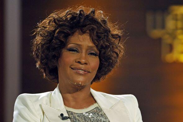 Whitney Houston (1963-2012) una estrella que dejó de brillar a causa de...