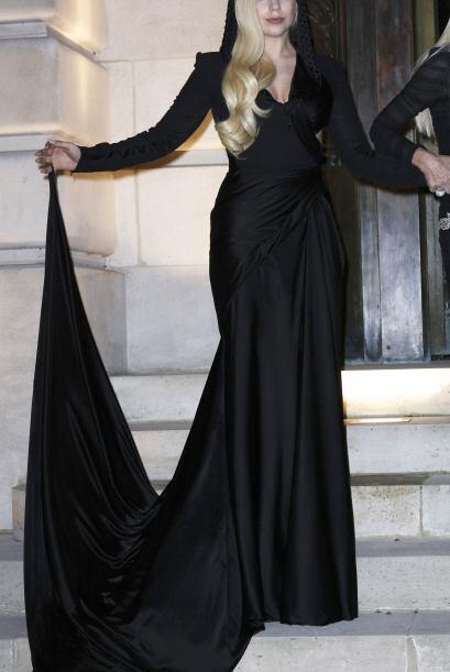 Pero Lady Gaga ¡ni un sólo patrón sigue! Ella usa lo primero que llame s...