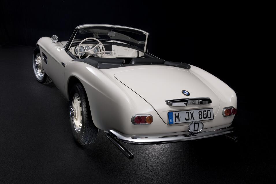El día que Elvis compró un BMW P90229722_highRes_elvis-bmw-507-08-201.jpg