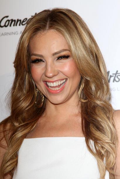 Thalía apoyando a jóvenes talentos en esta gala.