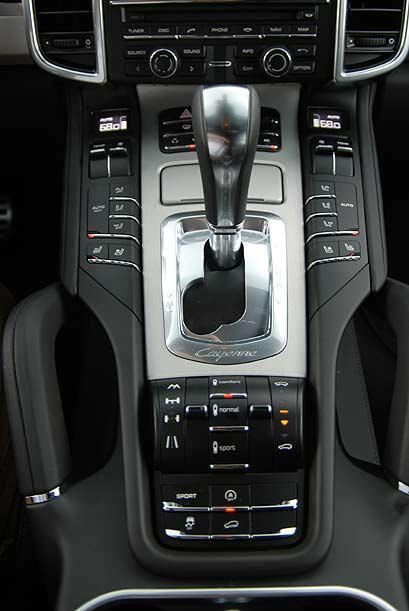 La nueva transmisión automática Tiptronic S de 8 velocidades con Auto St...