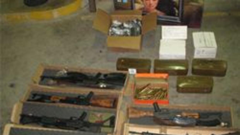 Parte de las armas confiscadas despues del arresto