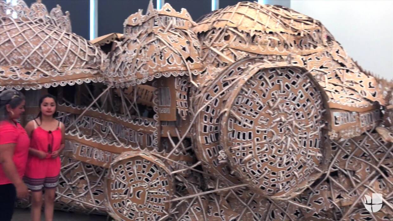 Rubí Ibarra visita un museo de arte en Miami