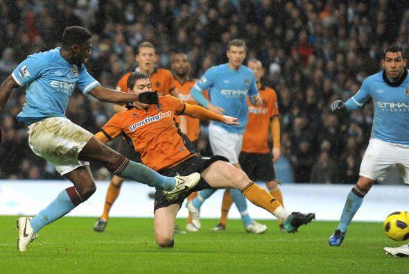 El empate para los del City llegó por intermedio de Touré con un fuerte...