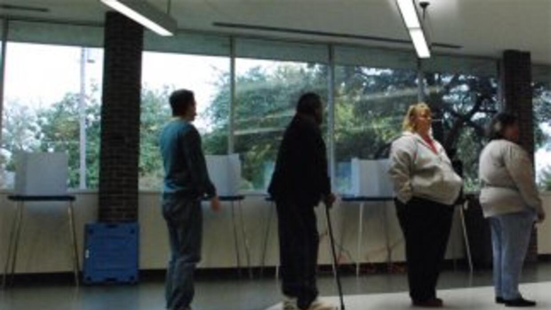NALEO prevé que 7.8 millones de hispanos acudan a las urnas en noviembre...