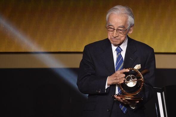 El periodista japonés Hiroshi Kagawarecibió el premio especial de la FIFA.
