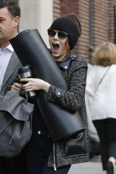 ¿Qué habrá visto Emma Stone que hizo tremenda cara de sorpresa?