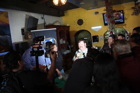Glorybella celebró su cumpleaños en compañia de Ramon Ayala y unos afort...