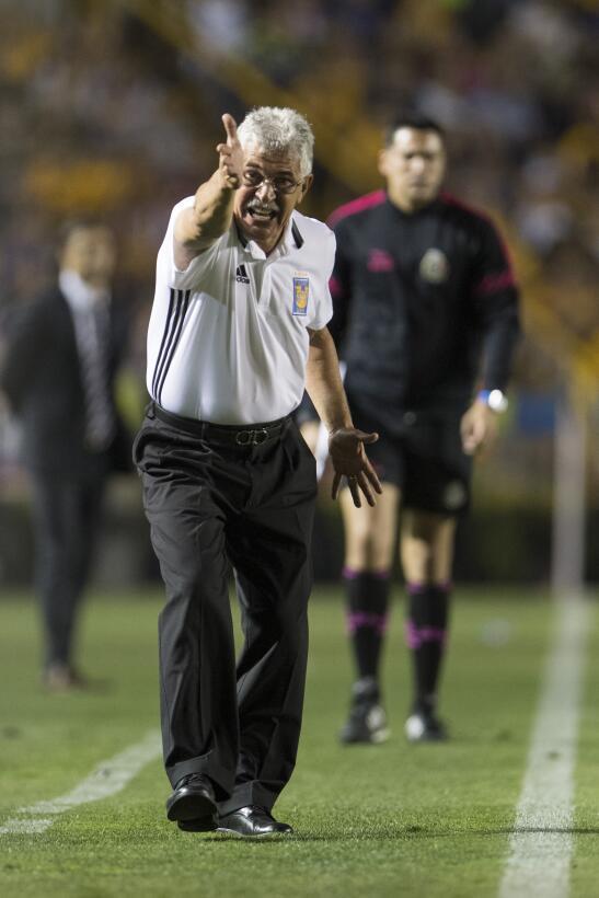 Tigres golea a Chivas y los baja de la nube. 20170411_2990.jpg