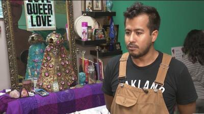 Artistas y activistas de Oakland realizan una colecta de víveres para ayudar a la caravana migrante