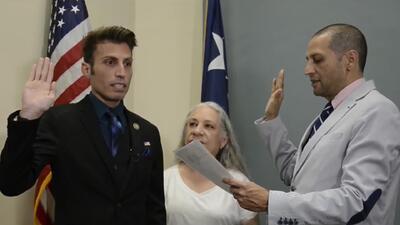 De origen hispano y abiertamente homosexual: así es el alcalde más joven de Del Río, Texas