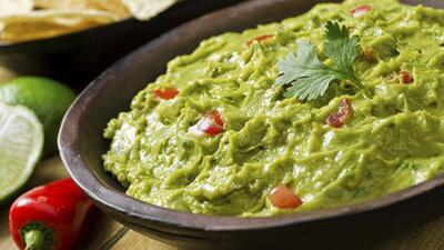 ¿De dónde sale el guacamole para el Super Bowl?