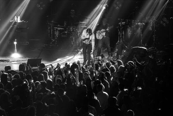 El cantante colombiano Juanes llego con todos sus éxitos donde fanáticos...