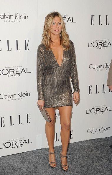 Jennifer Aniston tiene esas impactantes y largas piernas gracias a la pr...