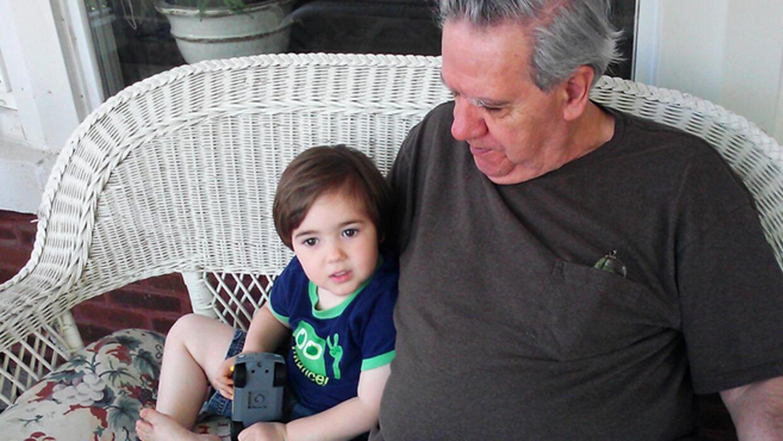 abuelos que tienen contacto con sus nietos suelen tener menos depresiones