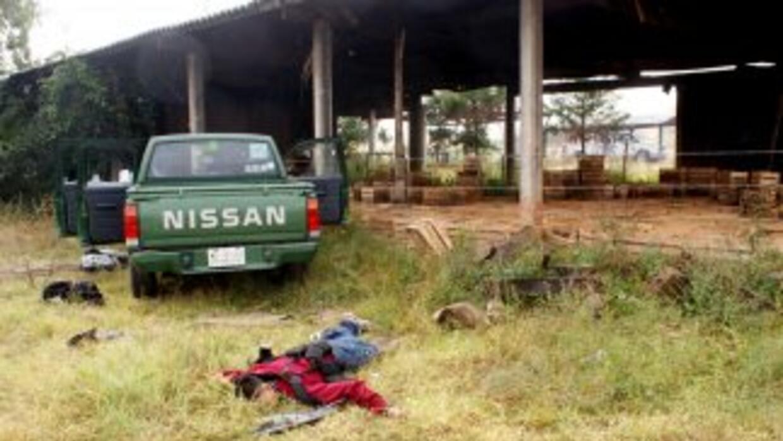 """Hombres calcinados, muertos por balaceras """"víctimas inocentes entre ello..."""