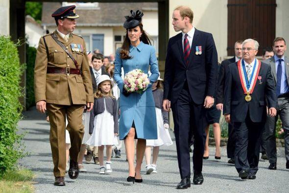 Por su parte el príncipe Guillermo de Inglaterra y su mujer Catalina, du...